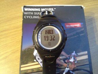 Prodám minimálně použité hodinky s hrudním pásem a kabelem k PC. Možnost i  bike Pod ca913bf116
